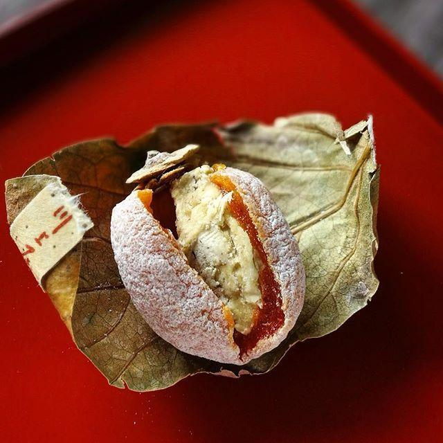 画像: #中津川川上屋 #柿の美きんとん #干し柿 に#栗きんとん  ほっくり、そして こっくりとした甘さは日本の冬の寒さに優しい味だ。 #honor8 www.instagram.com