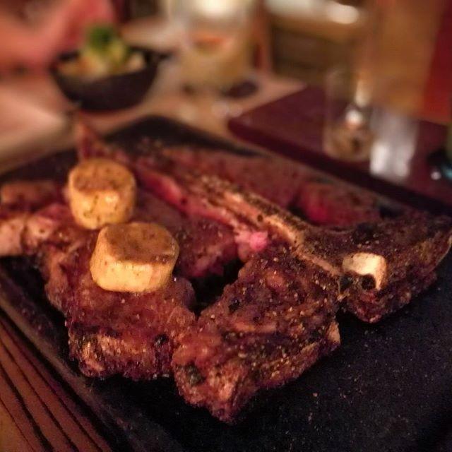 画像: 平成29年の29初めは、USアンガスのTボーンステーキなんぞをw みなさま、本年も( `・∀・´)ノ シク ヨロー www.instagram.com
