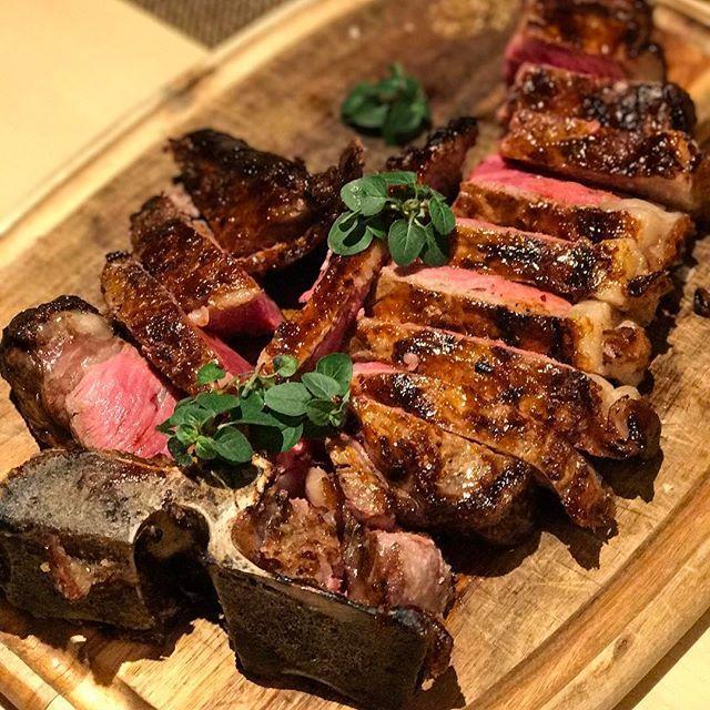 画像: 本日は平成29年2月9日。ということは29年に一度訪れる29(肉)の日! というわけで、昼から #tボーンステーキ  #ヒルトン東京 #ヒルトン東京メトロポリタングリル www.instagram.com