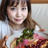 画像: #かんぽ eat&smile プロジェクト! 今夜2/15(水)18時から!食べあるキング コラボメニューが登場@シアターテーブル(ヒカリエ11階)。 食べあるキングに新加入した大人気モデル #田中里奈 ちゃんの開発メニュー「ザクロはじける!彩りチ ... www.instagram.com