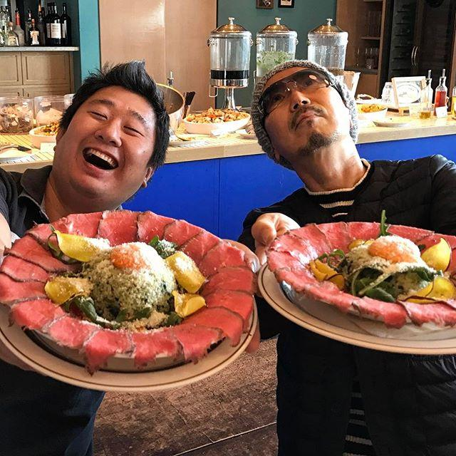 画像: みなさ〜ん!#コン肉はー !(笑) #かんぽ生命 #イートアンドスマイル #食べあるキング #フォーリンデブはっしー コラボメニューの「フォトジェ肉!ローストビーフ丼」は2/26SUNまでの限定メニューです!まだの方はお急ぎください!!(笑) #渋 ... www.instagram.com