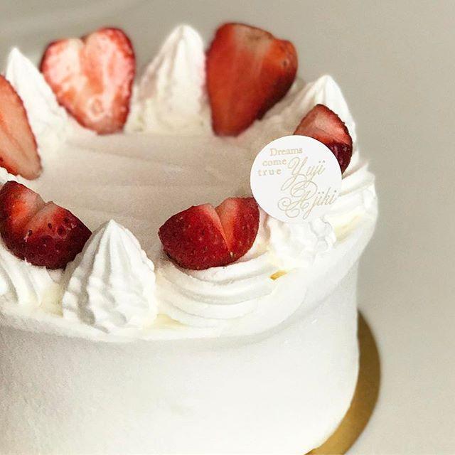 画像: やっぱり #ユウジアジキ のスポンジとクリーム、最高だわ!  #ショートケーキ #honor8  #アメージングうめーじんぐ  #アメージングおすすめーじんぐ www.instagram.com