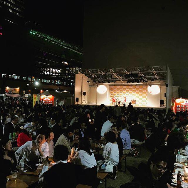 画像: anまかないフェス大阪 #西梅田スクエア は 夜になったら、更に凄いことに!  #まかないフェス #食べあるキング www.instagram.com