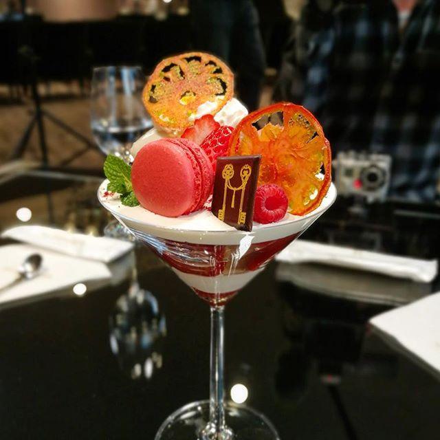画像: 珍しいフルーツトマトのパフェ!【愛知県産フルーツトマトとはちみつのパフェ】 フルーツトマトとベリーのソルベと、伊勢の塩、愛知・知多半島の蜂蜜でコンポートしたトマトに、モッツアレラチーズのクリーム、カモミールジュレ、ヘルシーな豆乳で仕上げたビューティ ... www.instagram.com