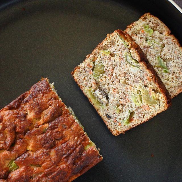 画像: 朝食にトータルダイエットカウンセラー大西ひとみさんの VEGGI di Pan(ベジデパン)。 小麦粉を使わないグルテンフリーの低糖質。契約農家の無農薬、無化学肥料野菜や有精卵、有機食材だけでつくる完全グルテンフリーで甘味料もなしに驚く! パンと名 ... www.instagram.com