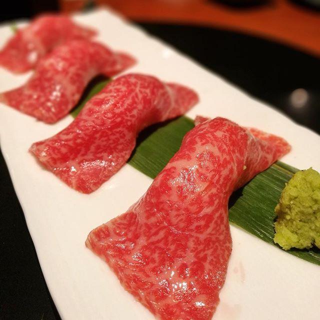 画像: 五感に訴えてくる #肉寿司  もはやエロスだね  よろにく は 恵比寿 にできても、 シルキーな #美味しさ絶対値 !  #よろにく蕃  #yoroniku蕃ebisu  #アメージングうめーじんぐ  #アメージングおすすめーじんぐ  #焼肉 #恵 ... www.instagram.com