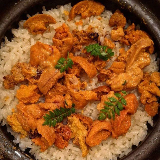 画像: 新米シーズン、土鍋ご飯が食べたくなるねえ。でもコレ反則、#ウニご飯 (笑) #アメージングうめーじんぐ #築地 www.instagram.com