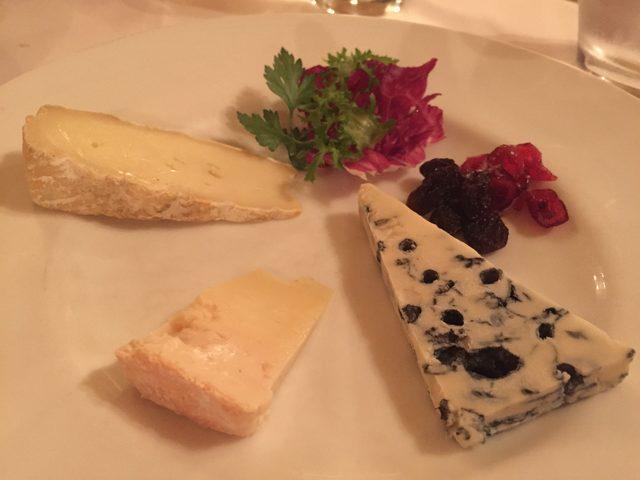 画像: チーズの盛り合わせ