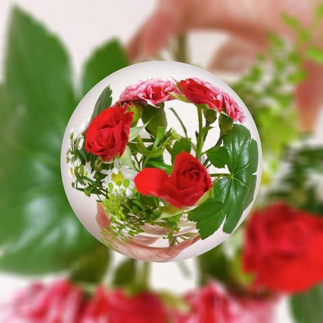 """画像1: Aki Imai (今井安紀) on Instagram: """"先日紹介した『Soratama Lens』と同じようなアプリで無料でロゴが入らないアプリ『Marble Magick』 見つけちゃいました。 元素材によって球体のサイズやカーブを変えてぴったりの具合を見つけ、風景やお気に入りのものを閉じ込めましょう。 元画像は6枚目以降。…"""" www.instagram.com"""