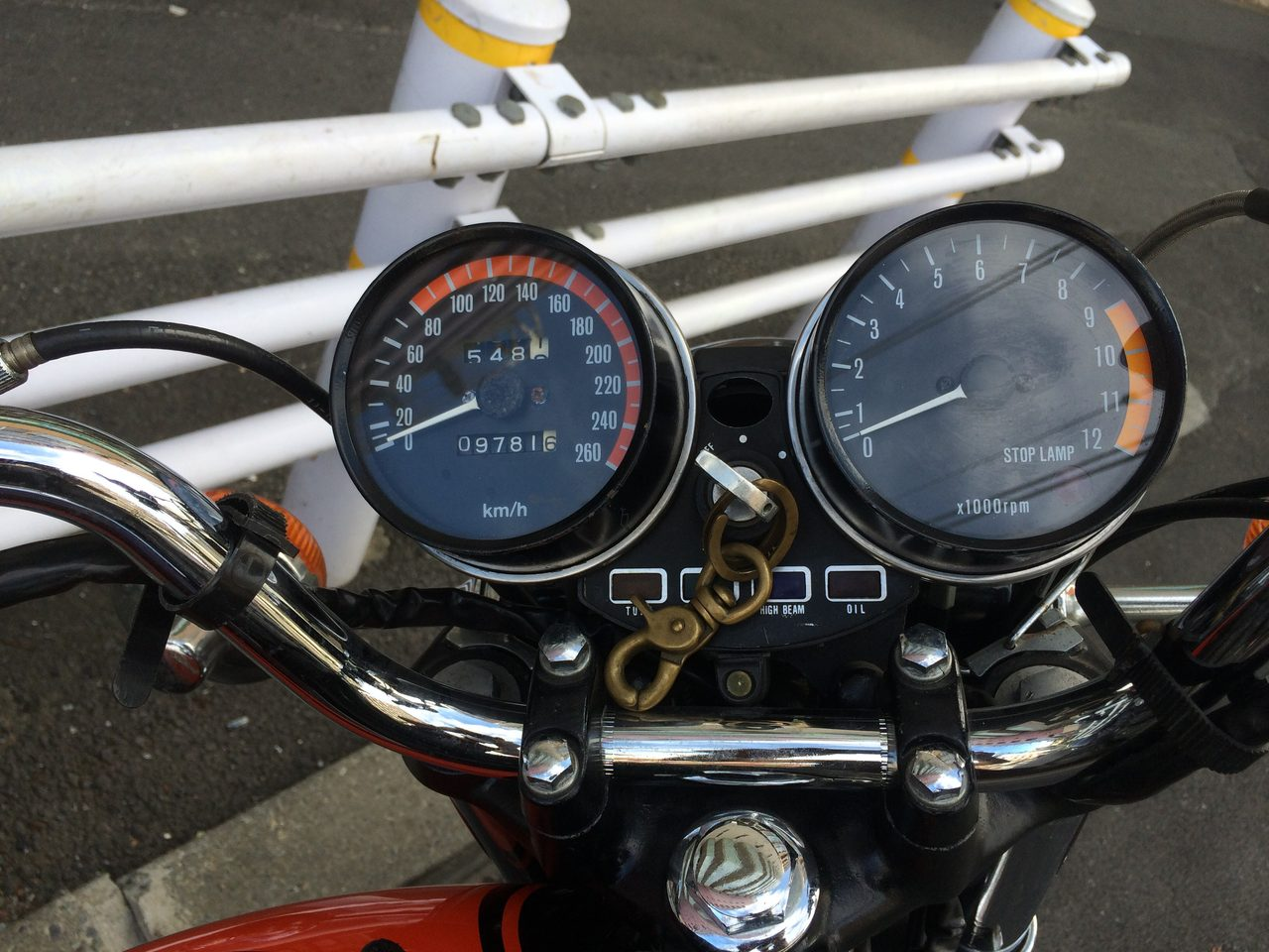 画像: ZII がやってきた。だから今日はバイク記念日。