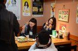 画像: カワコレモデルの鈴木杏香さんも楽しく取材を受けております