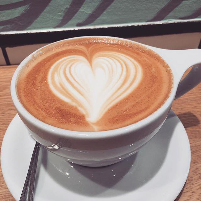 画像: 飲むのがもったい…こんなにかわいくラテアートしてくれました!  #vervecoffee  #ラテアート  #カワコレ www.instagram.com