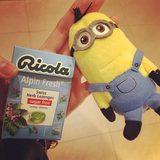 画像: ゆかキチに貰った、#ミニオン くん と わたしの愛用飴ちゃん#ricola #alqinflesh #candy www.instagram.com