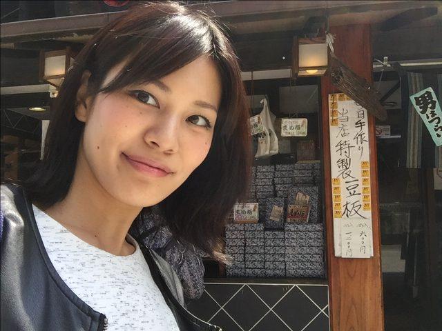 画像: 気分はルンルンです♪♪♪ ところとこ歩くと…可愛らしい駄菓子屋さんを発見! 次回の下町柴又の駄菓子屋さんの巻をお楽しみ〜♡