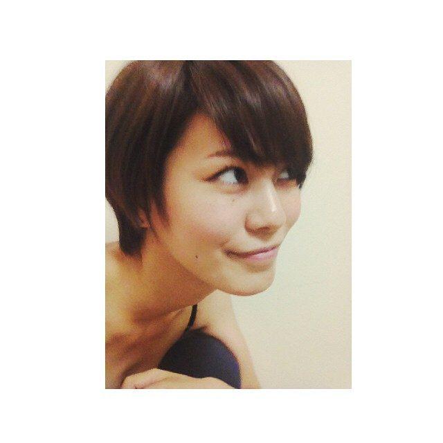画像: #model #尾崎ハンナ #HannaOzaki  ショート時代 ショートorロング instagram.com