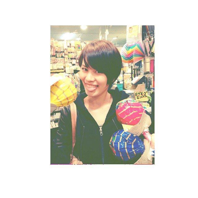 画像: #short #hair #model #HannaOzaki  #尾崎ハンナ ビックチュッパチャップス❤️ instagram.com
