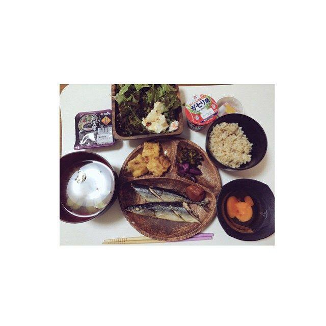 画像: #おうちごはん  #ごはん #栄養満点 ボリュームありすぎた笑 instagram.com