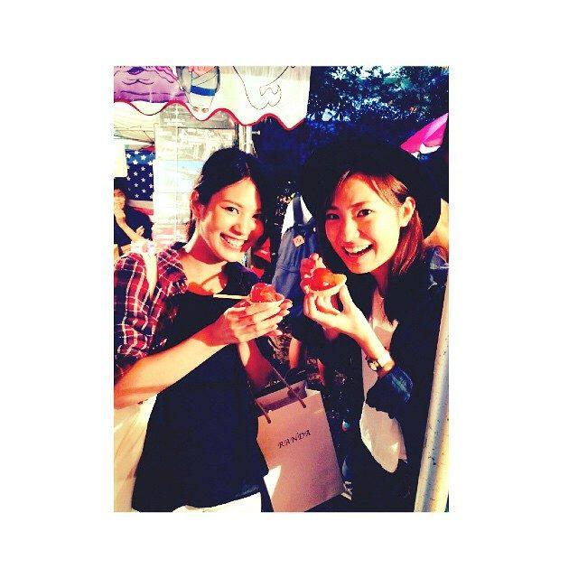 画像: #幼馴染 オペレッタでは #シンデレラ #魔女 役 2歳からのなんでも話せる友人 自由人 instagram.com