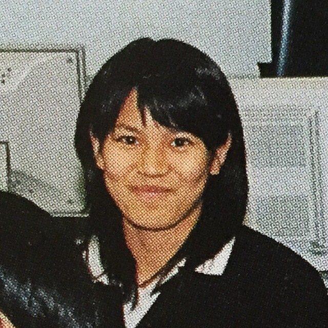 画像: 中学の選択授業は地味に パソコンの授業を選択しました。笑  顔つきがちがう。 陸上の練習にての日焼け 小学時代 50m 7.5秒 中学時代100m 13.8秒〈トラック〉 今はもう、走れない(・・;) #沖縄出身 ではありません #バドミントン部  ... www.instagram.com