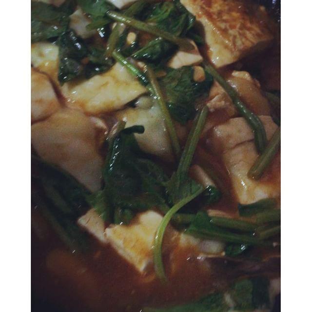 画像: 豆腐チーズミートソース煮込み グツグツ♡♡♡ あるもの料理 #ミートソース #豆腐 # #cooking  #簡単レシピ #あるもので #ちゃっちゃっと  #お腹すく音 www.instagram.com