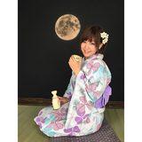 画像: お月様を演出〜♡ 月見にはお酒だね^ ^♡ #浴衣 #撮影 #月見 #お酒 #followme instagram.com