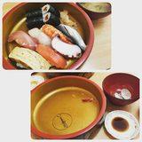 画像: きのうのお昼♡ ぺろり( ̄^ ̄)ゞ #お寿司 #ランチ instagram.com