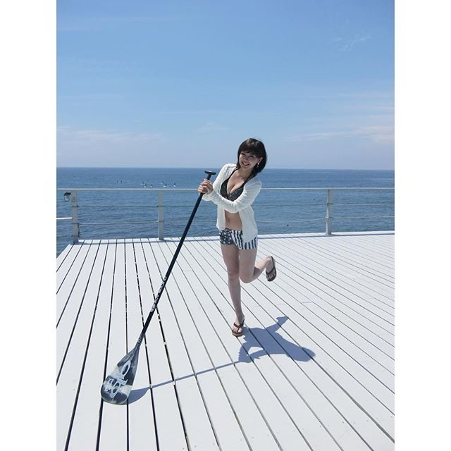 画像: きょうは#BABY_G さんのイベント♡ 海に来てまーす*\(^o^)/*♡ セレブで話題の #スタンドアップパドルに チャレンジするよー♡ #BABYG_JP instagram.com