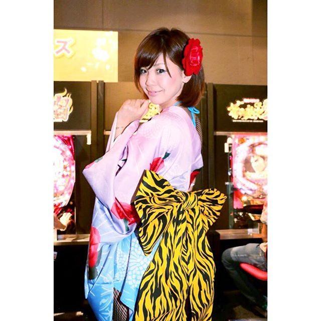 画像: 後ろ姿♡ おっきなヒョウ柄リボンがポイント*\(^o^)/* #虎 #後ろ姿 instagram.com