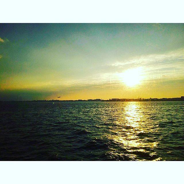 画像: ✳︎ 船からの夕日♡ 綺麗だったーーー*\(^o^)/* #夕焼け #クルージング #東京湾 #クルーザー#シンフォニークラシカ #日の出ふ頭 #JTBリゾートウエディングEXPO instagram.com