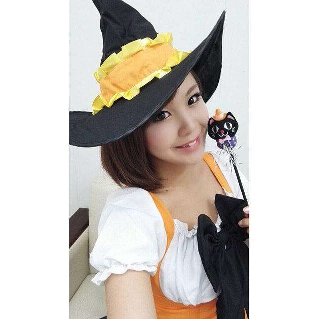 画像: ✳︎ 魔女っこ衣装♡ 黒猫のつえがちびっ子に大人気*\(^o^)/* #魔法使い #魔女 #イベント #ハロウィン #ちびっこちゃんが可愛すぎた #癒されたよー #maami #me instagram.com