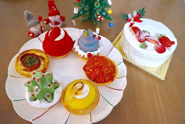画像: ・ #スイーツ 投稿が続いてる笑 先日のイベントで頂いた #PieHolic の #クリスマスパイ  ・ すっごい可愛くてきゅんきゅん❤️ ・ #クリスマス #Xmas #パイホリック #パイ #ケーキ #maami #まあみ #クリスマスケーキ ... www.instagram.com