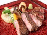 画像: 北海道 短角牛 短角牛の肉は黒毛和牛に比べ脂分が少なく霜降りになりにくい赤身肉で旨味成分のアミノ酸が多く、味や風味は絶品です。 ■北海道 北十勝ファーム短角牛 リブロースステーキ     4,200円