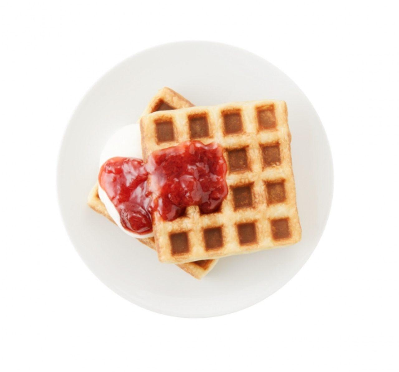 """画像: ●クリス クロワッサン… アメリカの人気レストランから生まれた、朝食にもぴったりの注目の最新ハイブリットスイーツ。クロワッサン生地をワッフル型で焼き上げたもので、クロワッサンのような""""レイヤー(層)""""と、ワッフルの表面の""""クレーター(でこぼこ)""""をあわせ持ったハイブリッドスイーツ。"""