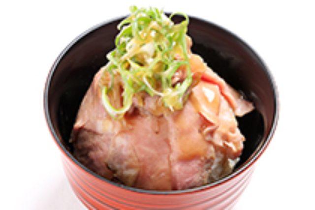 画像: <美山スタイルのヘルシーローストビーフ丼> www.interconti-tokyo.com
