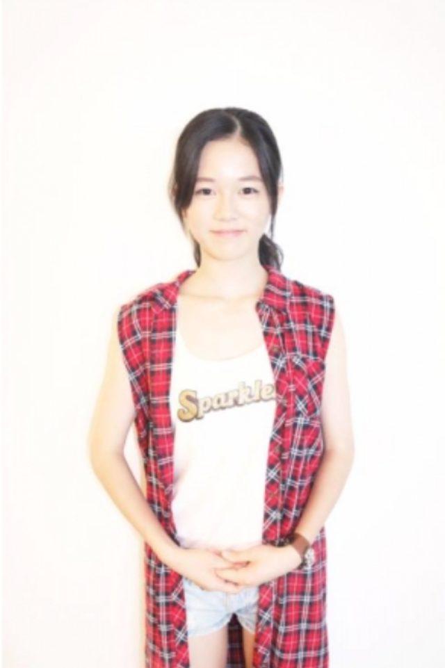 画像: 川口葵 Aoi Kawaguchi 16 出身地/居住地 兵庫/兵庫   血液型 A 生年月日 1998/11/26   159cm <自己PR> 初めまして!この度、「ドリームメガガールズオーディション」ファイナリストに選んで頂きました。川口 葵 16歳の高校二年生です!お台場夢大陸に来場していただいた皆さんに精一杯、楽しんでいただけるように、宣伝など頑張っていきます!宜しくお願いします!