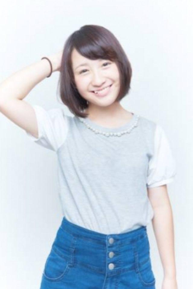 画像: 伊藤愛真 Ema Ito 17 出身地/居住地 埼玉/埼玉   血液型 O 生年月日 1997/7/31   155cm <自己PR> こんにちは!高校3年生の伊藤愛真です。今年のお台場は『夢大陸』ということで、みなさんに夢のような時間を過ごしてもらえるよう、明るく元気に頑張ります。最高の夏にしましょう!!