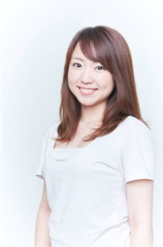 画像: 須田菜月 Natsuki Suda 23 出身地/居住地 大阪/埼玉   血液型 A 生年月日 1992/6/19   155cm <自己PR> 小さい頃から歌が好きで、中高、そして音楽大学で声楽とピアノを学びました。人前に出るのが大好きです。笑顔をよく褒められます。褒められる理由は、私の笑顔を見たら分かると思います!よろしくお願いします。