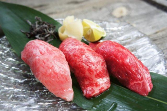 画像: 焼肉「いのうえ」A5ランク和牛 特選和牛炙り握り ¥1,200- (税込)