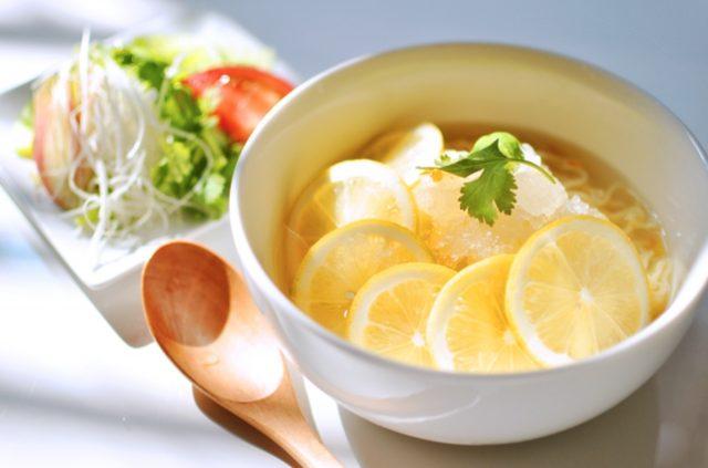 画像: 日本初上陸!!ハワイの麺料理「サイミン」こと『氷レモンラーメン』と『カレーレモンラーメン』が期間限定で発売!