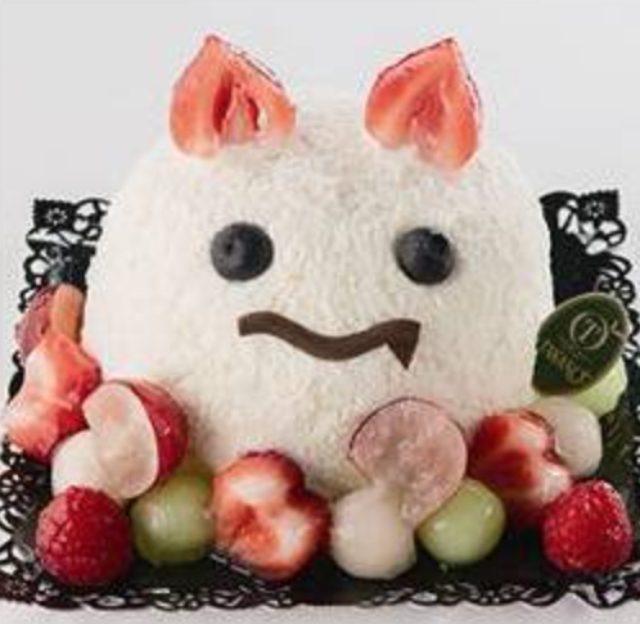 画像: 桃・オレンジ・マスカットをサンドし、可愛らしいおばけケーキに。 <新宿高野>おばけDECO 2,484円/1階