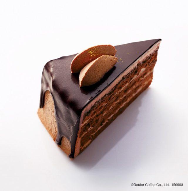 画像: 【商品名】 ガトーショコラ 【単品価格】 460円(税込) 定番人気のガトーショコラ。 この秋のスポンジ生地にはブランデーシロップを入れ、しっとりさせました。ホイップクリームにはベルギー産クーベルチュールチョコレートを使用し、本格的な味わいのケーキに仕上げました。