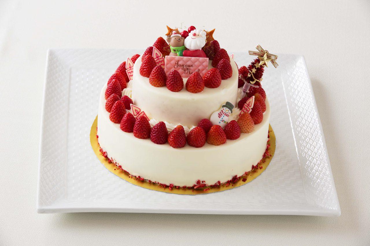 画像: プレミアムショートケーキ ¥15,000(限定10個) 上段 直径15cm下段 直径 24cm高さ 17cm ふわふわスポンジに滑らかなホイップクリームと厳選した福岡県産あまおうを使ったショートケーキを、贅沢にニ段で仕上げました。