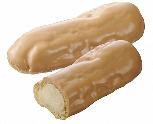 画像: 商品名:「ちょっと贅沢なエクレア(塩キャラメル)」 価 格: ¥140(税込¥151) 特 長: フランス産ゲランドの塩を使用して、大人向けのエクレアをつくりました。ほんのり塩味がキャラメルカスタードのコクを引き立てて、ちょっと贅沢な気分にさせてくれます。 ※販売期間/2015年11月13日~(終了日未定)