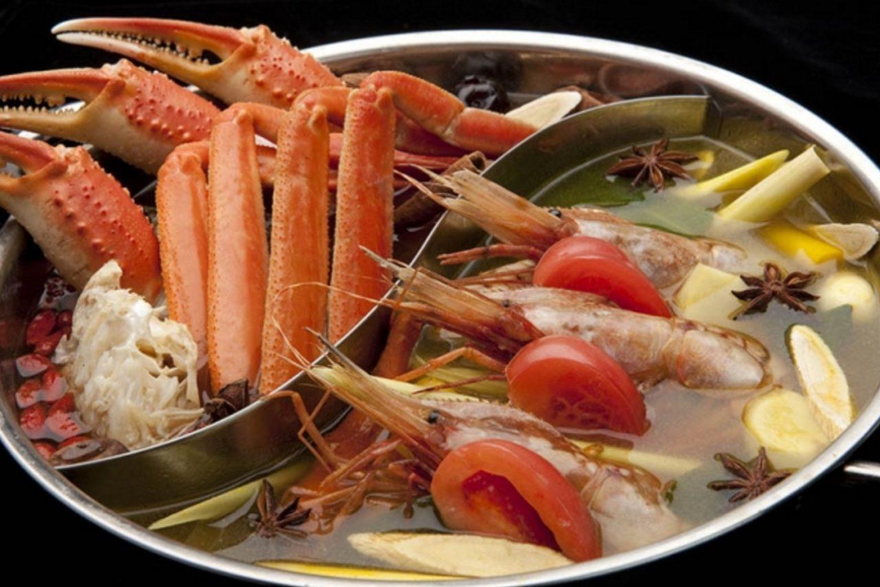 画像: 海鮮薬膳2色鍋