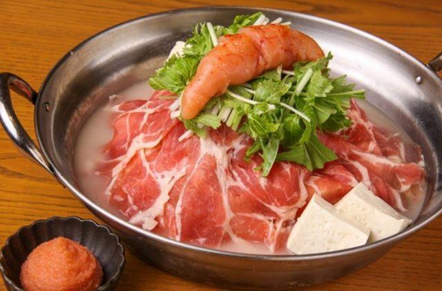 画像: 肉食系女子におすすめ! たっぷりの豚肉に香味野菜など女性好みの食材を詰め込み濃厚な豆乳チーズ出汁でお召し上がりいただきます。 〆はチーズリゾットをお楽しみください! 【取扱い店舗】 ■九州黒太鼓 新橋/     港区新橋2-15-7 S-PLAZA弥生ビル8F        03-3593-4500 http://r.gnavi.co.jp/g600139/ ■九州黒太鼓 恵比寿/ 渋谷区恵比寿西1-13-3 ROOB6 3F        03-3496-4010 http://r.gnavi.co.jp/g600147/ ■九州黒太鼓 田町/   港区芝5-34-7 田町センタービルピアタB1        03-3451-3866 http://r.gnavi.co.jp/g600182/ ■九州黒太鼓 横浜/      神奈川区鶴屋町2-16-10 エフテムRONビル4F    045-290-0677 http://r.gnavi.co.jp/g398534/