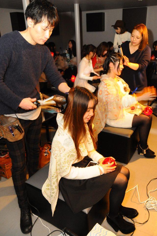 画像: 今回も大盛況だったヘアスタイルングコーナー!