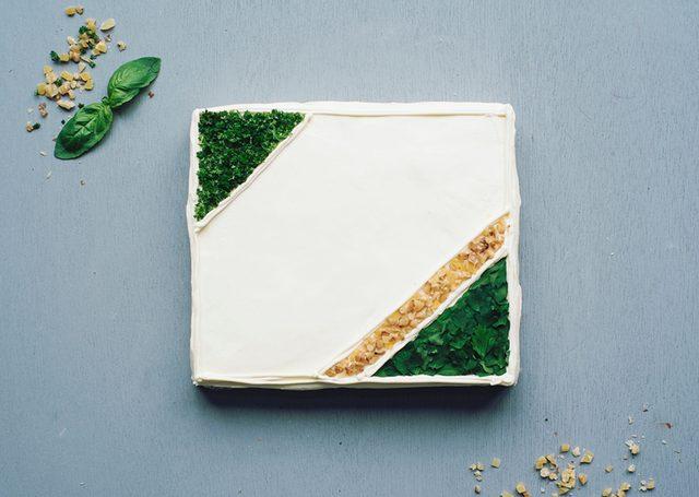 画像: 「ローストチキン&ジェノベーゼペーストのケーキイッチ」