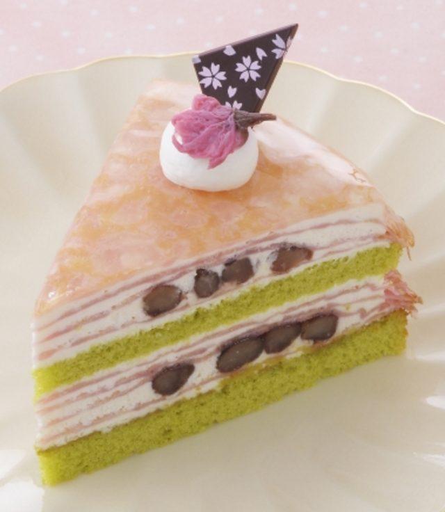 画像: 商品名:「さくらのミルクレープ」 価 格: ¥380(税込¥410) 特 長: 抹茶風味スポンジにかのこ豆入り桜風味生クリーム、苺風味クレープを重ねた春らしい彩りのクレープケーキ。ほんのりやさしい桜の風味に春の訪れを感じます。 2016年2月15日~終了日未定