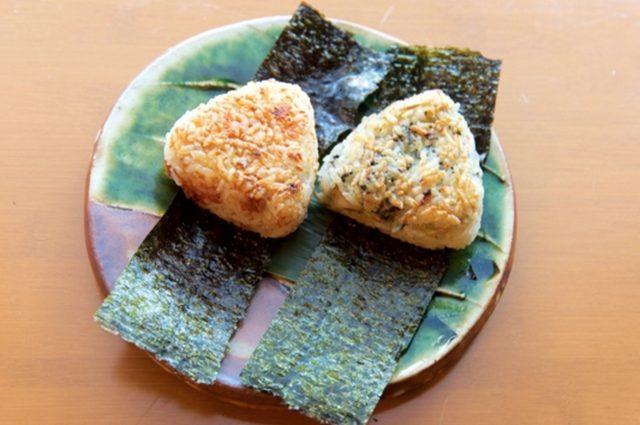画像: うに、あわびのおにぎり/牡蠣、海苔のおにぎり みちば和食 たて野: 舘野 雄二 シェフ www.tateno.info