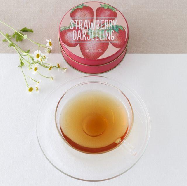 画像: ■商品名:ストロベリーダージリン ■価格:790円(税込) ■販売開始:2月25日(木)~3月30日(水) ■商品説明:苺をイメージしたダージリンのフレーバーティーにミントをブレンド。ほんのりミントが香るすっきりと甘い春の紅茶です。